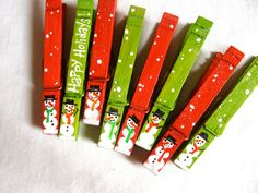 SNOWMEN CLOTHESPINS magnets hand painted