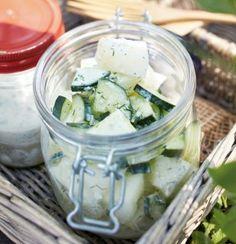 Das Rezept für Gurken-Honigmelonen-Salat und weitere kostenlose Rezepte auf LECKER.de