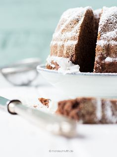 Schokoladenkuchen | klassischer Schoko-Kuchen | chocolate cake | ©…