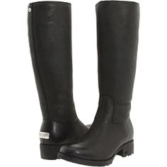 Cute UGG boots in leather!