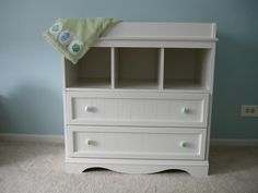 White Changing Table Dresser Combo - Home Furniture Design White Changing Table Dresser, Best Changing Table, Large Dresser, Modern Dresser, Adams Furniture, Home Furniture, Furniture Design, Best Dresser, Dresser Ideas