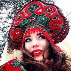 Красотка @kristina_sboeva в образе)) #студиядиковина #кокошник #ручнаяработа #kokoshnik #folklore #alarusse #slavic #алярус