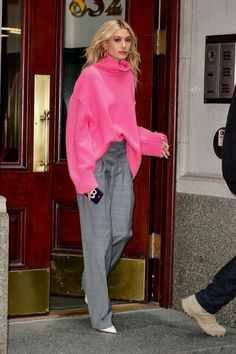 Women S Fashion From The WomenSFashionFastDelivery Key: 7024862137 WomenClothingStores 742460688551038681 Estilo Hailey Baldwin, Hailey Baldwin Style, Looks Street Style, Looks Style, Mode Outfits, Casual Outfits, Fashion Outfits, Pinke Outfits, Look Fashion