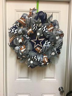Items similar to Dallas Cowboys Football Wreath. Dallas TX on Etsy Dallas Cowboys Wreath, Dallas Cowboys Signs, Dallas Cowboys Football, Baseball Burlap Wreath, Football Wreath, Easy Fall Wreaths, Easter Wreaths, Baby Wreaths, Initial Door Hanger