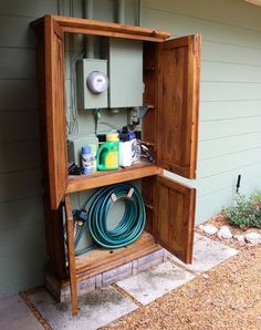 Awesome DIY Outdoor Eyesore Hiding Ideas To Beautify Your Garden Lovely Cabinet Hides Utility Box and Garden Tools Backyard Projects, Outdoor Projects, Home Projects, Diy Backyard Improvements, Backyard Patio Designs, Garden Projects, Sewing Projects, Armoire Makeover, Garage Makeover