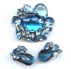 Vtg 1950s REGENCY Floral Blue Aqua RS Japanned Blk Enamel 3D Pin & Earrings Set #Regency