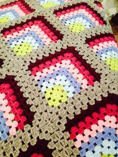 Crochet Block Stitch, Crochet Blocks, Bargello Patterns, Afghan Crochet Patterns, Crochet Granny Square Afghan, Granny Square Crochet Pattern, Embroidery Hoop Art, Craft Patterns, Lana
