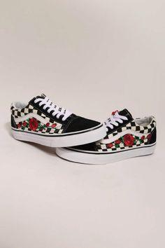 567259b0c460 Custom Rose Vans Old Skool Checkered Red   Pink Rose Vans