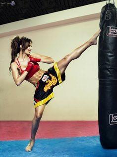 Methods to increase your idea of martial arts tips Female Martial Artists, Martial Arts Women, Mixed Martial Arts, Taekwondo, Jiu Jitsu, Boxe Mma, Karate Girl, Female Fighter, Krav Maga