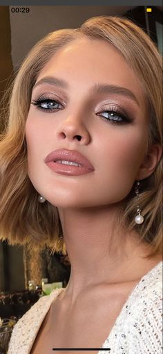 49 Stunning wedding makeup looks for any wedding theme wedding hair Beautiful Neutral Makeup ideas for Summer perfect for any occasion 22 Bridal Makeup Looks, Wedding Hair And Makeup, Hair Makeup, Makeup Looks For Prom, Makeup Looks Winter, Winter Wedding Makeup, Summer Wedding Makeup, Glow Makeup, Best Wedding Makeup