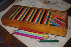 Coleção Antigo Estojo escolar com Tampa colorida deslizante anos 60/70