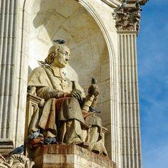 #france #francia #parigi #paris #saintsulpice #statue #piccioni #pigeons #sky #photography #travel #wanderlust by giada.palazzo