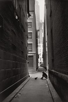 Down Town - New York City - 1947 © Henri Cartier-Bresson / Magnum