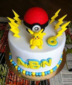 pokemon cakes | Pokemon Ball Cake