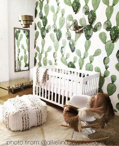 Cactus muurschildering! Perfect voor het maken van de een in het oog springende decor voor een bruiloft, feest of evenement. Ook een mooie aanvulling op een huis voor een prachtige focal muur.  De muurschildering meet 100 x 108 algemene en wordt afgedrukt in vier 25 panelen voor een eenvoudige installatie.  WE doen aangepaste grootte - als een aangepaste grootte vereist is neem dan gerust contact met ons op via Etsy of per e-mail: rs@anewall.com  Als u verdere vragen hebt, aarzel niet om…