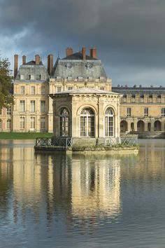 A Day at Château de Fontainebleau - the pond pavilion: In 1804, the newly crowned emperor, Napoleon I, decided to make Fontainebleau his imperial palace.