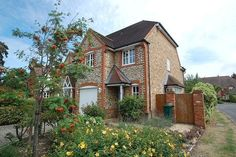Semi detached house for sale  - 4 bedrooms in Kemsley Chase, Farnham Royal SL2 - 30012114