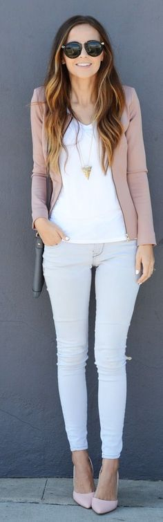 Weekend Style / White, Mauve & Dove grey.