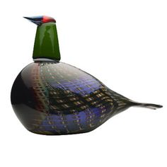 iittala Toikka Festive Pheasant A splendid bird, produced in a limited edition of 2000 birds, each one individually numbered. iittala's Festive Pheasant displays the beauty of glass. Bird Statues, Glass Figurines, Glass Birds, Pheasant, Glass Design, Bird Art, Finland, Glass Art, Art Pieces