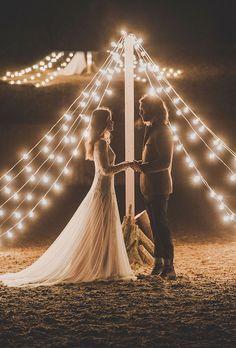 wedding lighting for an evening event Wedding Mise en scène  possible avec Wedding -Labergement http://www.wedding-labergement.fr