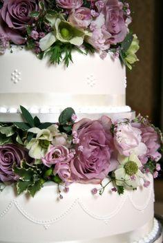 Ideas For Vintage Wedding Cake Flowers Pretty Cupcakes Vintage Wedding Flowers, Wedding Cakes With Flowers, Wedding Rings Vintage, Flower Bouquet Wedding, Cake Flowers, Ranunculus Wedding, Vintage Weddings, Trendy Wedding, Dream Wedding