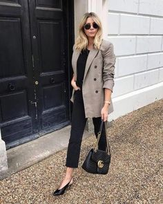 Ootd: 25 casual oversized blazer outfits to try this fall Blazer Outfits, Blazer Fashion, Fashion Outfits, Blazer Dress, Grey Blazer Outfit, Dress Outfits, Fashion Boots, Mode Outfits, Stylish Outfits