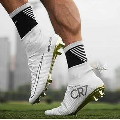 Best CR7 boot ever ? Follow @Cleatsversion ✅ Real Madrid Football Club, Football Love, Adidas Football, Football Shoes, Nike Soccer, Soccer Cleats, Cristiano Ronaldo, Cr7 Ronaldo, Ronaldo Real Madrid