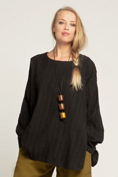 Vertical Stitch L/S Basic Top in Black Roma