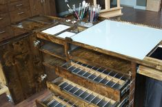 We've added more features to this already amazing taboret! See details DOWNLOAD the full Brochure This handmade studio taboret is as good as it gets! A better Design This taboret is designed specif...