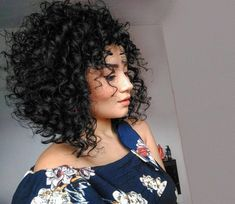 64 Wavy Bob Hairstyles That Look Gorgeous And Stunning - Hairstyles Trends Blonde Curly Hair, Curly Hair Cuts, Short Curly Hair, Curly Hair Styles, Natural Hair Styles, Brown Curls, Wavy Bob Hairstyles, Hair Inspiration, Hair Beauty