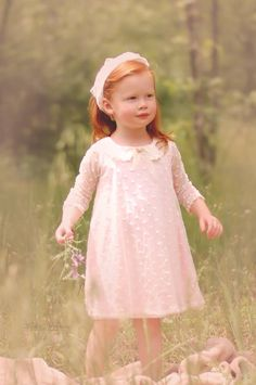 Flower girl, spring, flowers, @RomantiqueBebe, Leslie Hawkins Photography, natural light