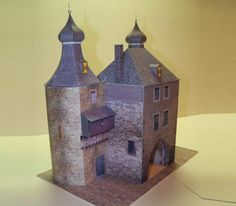 Witch Tower In Jülich Paper Model - by M. Knobloch -- Here a great paper model of a real landmark of Jülich City, in German: the Witch Tower, or Hexenturm, in 1/100 scale. This beautiful paper model was created by German designer M. Knobloch and was originally posted at Kartonist.De Forum.