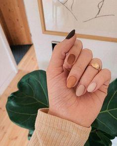 Semi-permanent varnish, false nails, patches: which manicure to choose? - My Nails Tan Nails, Fall Gel Nails, Fall Acrylic Nails, Neutral Nails, Acrylic Nail Designs, Hair And Nails, Coffin Nails, Cute Fall Nails, Autumn Nails