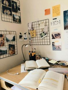 Get creative wall painting designs & ideas for a stylish home decor.Latest home – Get creative wall painting designs & ideas for a stylish home decor.Latest home – Get creative wall painting designs & ideas for a stylish home decor.Latest home – … Room Ideas Bedroom, Bedroom Decor, Study Room Decor, Photos In Bedroom, Modern Bedroom, Study Rooms, Study Areas, Room Wall Decor, Trendy Bedroom