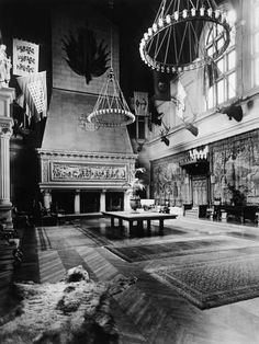 size: Photographic Print: Banquet Hall in Biltmore Mansion : Entertainment Chatsworth House, Biltmore Estate, Unusual Homes, Tropical Art, Abandoned Houses, Historic Homes, Banquet, North Carolina, National Parks