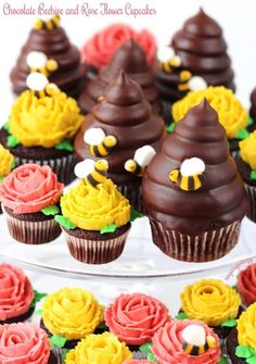 These luscious chocolate beehive and rose flower cupcakes are definitely the bee's knees.  If I had to choose one favorite cupcake, it would be these delicious chocolate beehive cupcakes.  They wer…