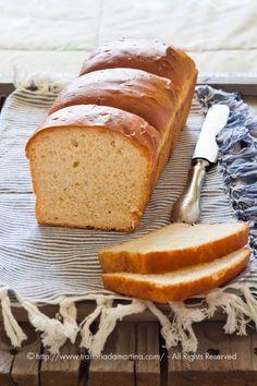 L'Hokkaido milk bread è un pane che si usa fare spesso nelle panetterie dell'Asia del sud sebbene alcuni dicano che provenga da Hokkaido o che il latte che si usa per farlo provenga da lì