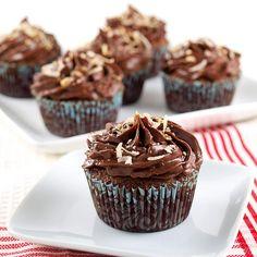 Chocolate Italian Wedding Cupcakes with Chocolate Sour Cream Frosting - Evil Shenanigans Cute Desserts, Best Dessert Recipes, Cupcake Recipes, Delicious Desserts, Cupcake Cakes, Cup Cakes, Baby Cakes, Cupcake Ideas, Mini Cakes