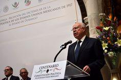Entrega Narro Robles al Gobierno de Durango copia facsimilar de la Constitución - http://plenilunia.com/noticias-2/entrega-narro-robles-al-gobierno-de-durango-copia-facsimilar-de-la-constitucion/43891/