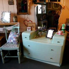 1960s Dressing Table and Chair in Peppermint