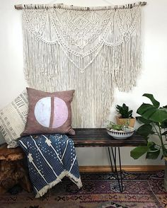 Full shot of my latest wedding backdrop / wall hanging! But hey, did you guys know that in addition to her spectacular macrame skills, Maya @juniperandfir, also makes the coolest pillows? Check it, yo ☝️So much talent coming from one person! ✨✨✨✨✨✨