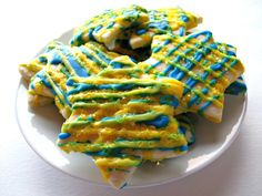 Lemon Stars- sweet-sour lemon icing makes these lemony star Chanukah cut-out cookies shine!   The Monday Box