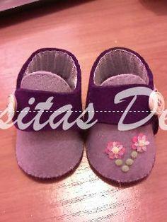 ZAPATILLAS INFANTILES TALLA 0-16CM. Mis pequeñas creaciones, regalos, detalles para bautizos y ceremonias, regalos personalizados y creaciones en fieltro y tela