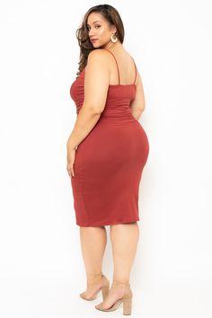 Curvy Sense - Trendy Plus Size Going Out Dresses Plus Size Black Dresses, Plus Size Outfits, Curvy Plus Size, Plus Size Model, Curvy Women Fashion, Look Fashion, Erica Lauren, Plus Size Fashion Tips, Modelos Plus Size