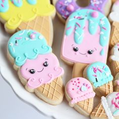 🍦 Ice Cream Party 🍦 at the These little guys will be available to purchase tomorrow! 125 N Elm… selber machen ice cream cream cream cake cream design cream desserts cream recipes Ice Cream Cookies, Fancy Cookies, Cute Cookies, Royal Icing Cookies, Cream Cake, Ice Cream Theme, Ice Cream Party, Candy Land, Rainbow Ice Cream