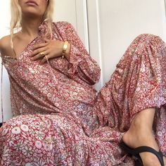 Le Fashion: A Cool Fashion Girl Found 4 Ways to Wear This Printed Dress