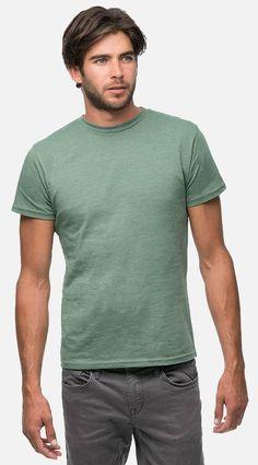 Red Heather Organic Cotton Recycled Material Tee Mountain Khakis Mens Retro T-Shirt Medium