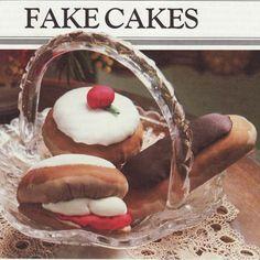 Fun food pincushion pattern - cakes, pumpkin and strawberry  #vintage #sewing #pincushion