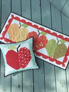 PDF Red Delicious Apple Quilt Pattern Fat Eighth Friendly Small Quilts, Mini Quilts, Skinny Quilts, Farmhouse Quilts, Red Basket, Two Color Quilts, Table Runner Pattern, Basket Quilt, Sampler Quilts