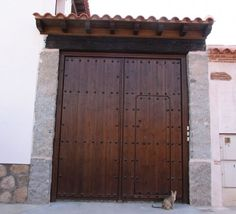 Exposicion de productos artesanos de El Arca de Ambroz. Puertas rusticas…